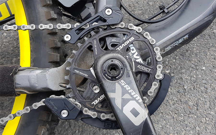 Downhill Carbon Chain Guide